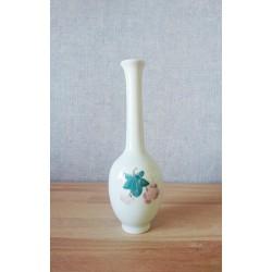 Vase bouteille en porcelaine de chine à décor de raisin