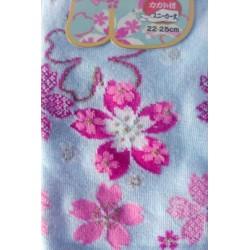 Chaussette aux motifs japonais sakura rose sur fond bleu pastel