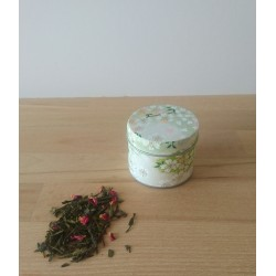 boite délicate et son sachet de thé au choix