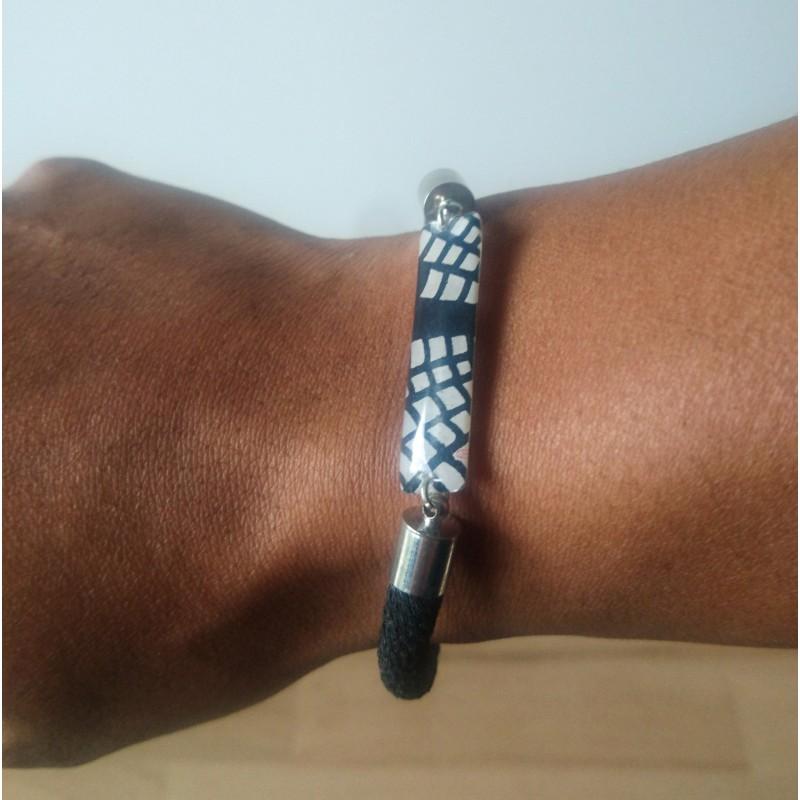 Bracelet fait-main en chirimen création de Koneko Shoppu.