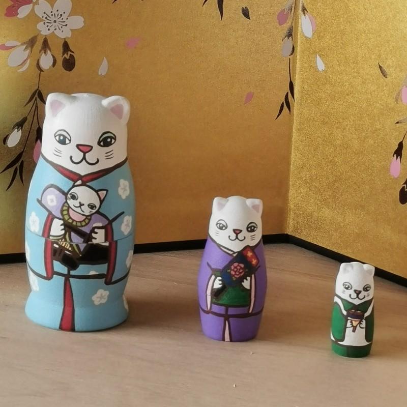 Chats du nouvel an matryoshka 3 poupées fabriquées artisanalement au Japon