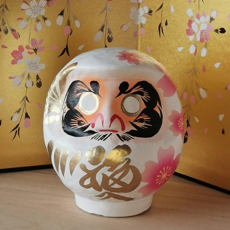 Miyabi Daruma Sakura blanc Imai Daruma Naya artisanat japonais de Gunma