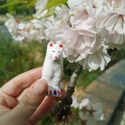 Small Teppou Kitsune Ichinomiya hariko clay fox artisanat