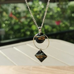Long Necklace lacquer...