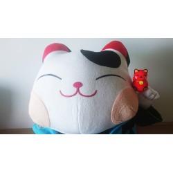 Un chat porte bonheur samourai.